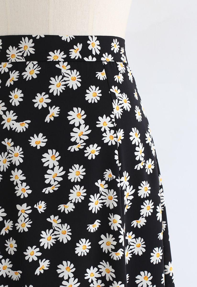 Daisy Printed A-Line Midi Skirt in Black