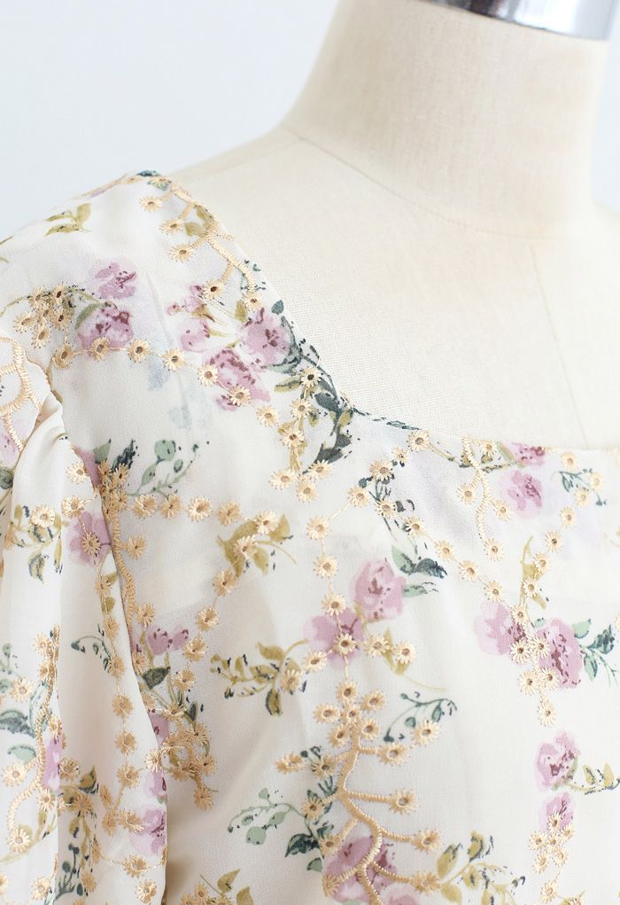 Floral Print Embroidered Bubble Sleeves Chiffon Top in Cream