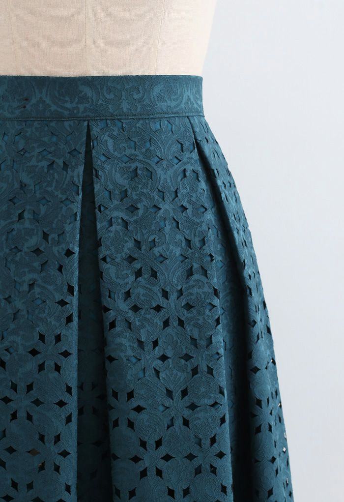 Snowflake Cutwork Jacquard Pleated Skirt in Teal