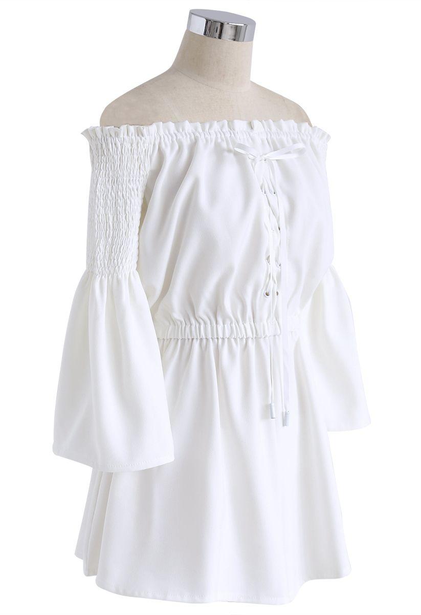 Daily Elegance - Mono corto con hombros descubiertos en blanco
