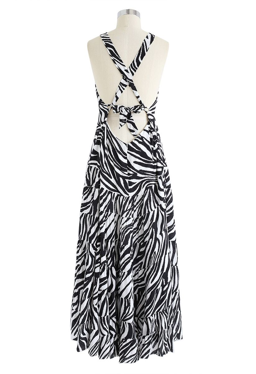 Maxikleid mit Zebrastreifen und offenem Rücken in Weiß