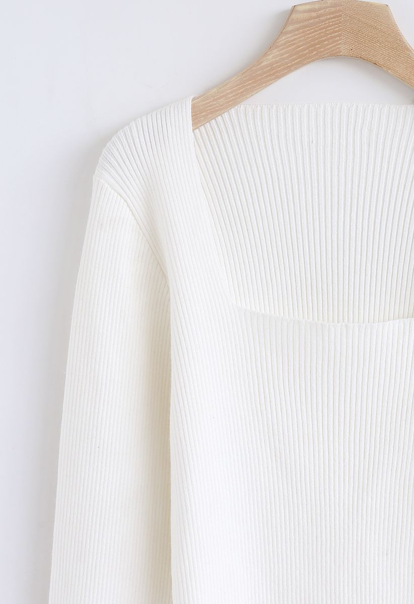 Quadratisches Strickoberteil in Weiß