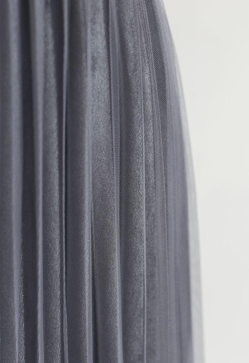 Pearls Embroidered Mesh Velvet Pleated Skirt in Grey