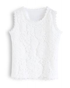 Weißes ärmelloses T-Shirt mit Häkelspitze vorne