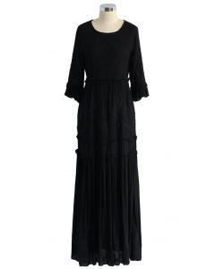 Elegantes langes Kleid mit schwarzer Traubenstickerei