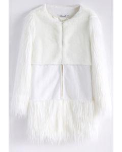 Schnee-Erinnerung - weißer Imitat-Pelz-Mantel