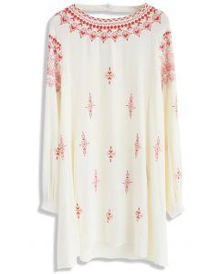 Boho Summon - Besticktes beige Kleid
