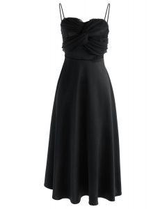Sanftmut - Schwarzes Kleid mit Cami-Herz