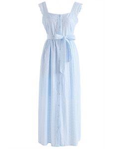 Finde die Liebe in dem blau bestickten Cami-Kleid