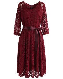 Reminisce Autumn V-Neck Spitzenkleid in Rot