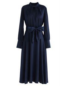 Schnappen Sie sich das Spotlight Bowknot Satin Dress in Navy