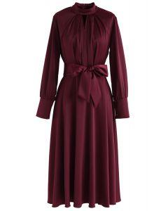 Schnappen Sie sich das Spotlight Bowknot Satin Dress in Wine