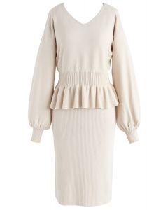 Ambient Softness: Zweiteiliges Kleid in Cremefarben
