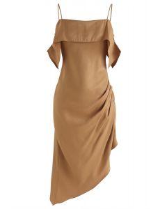 Leidenschaftliches lateinamerikanisches asymmetrisches Cami-Kleid in Hellbraun