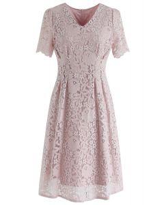 Meine Art von Liebe Lace Midi-Kleid in Pink