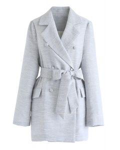 Zweireihiger Tweed-Blazer mit Gürtel in Babyblau